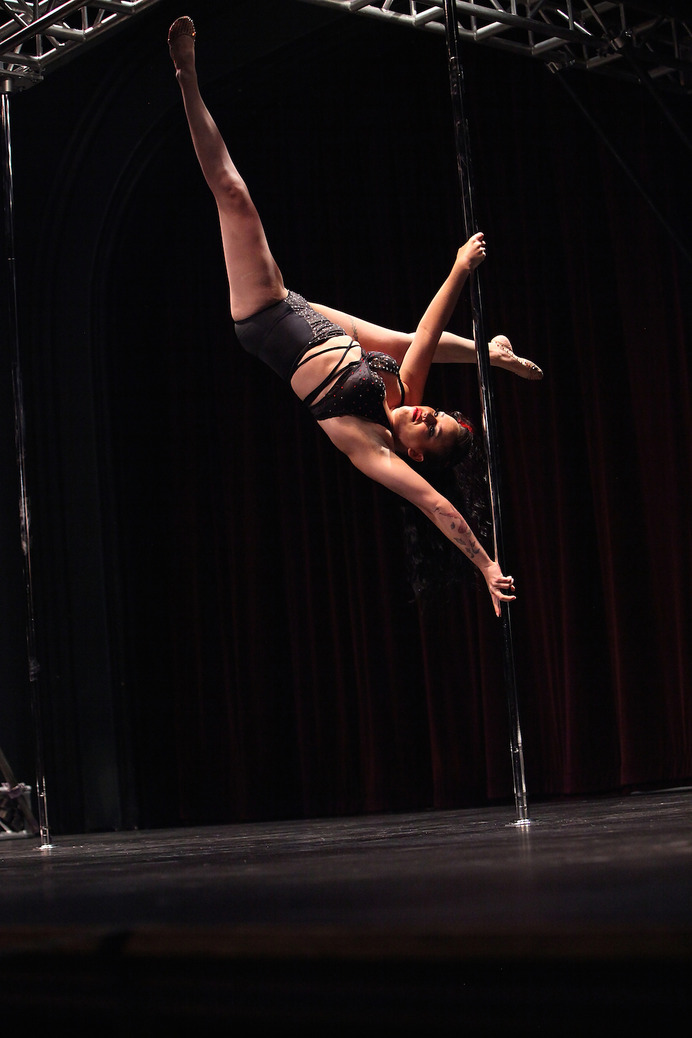 ポールダンス 参考画像(The 2013 Central Pole Dancing Competition)