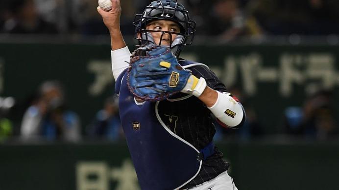 【WBC2017】日本と岡田俊哉を救った小林誠司の気遣い…侍ジャパンの正捕手として確かな成長を見せる
