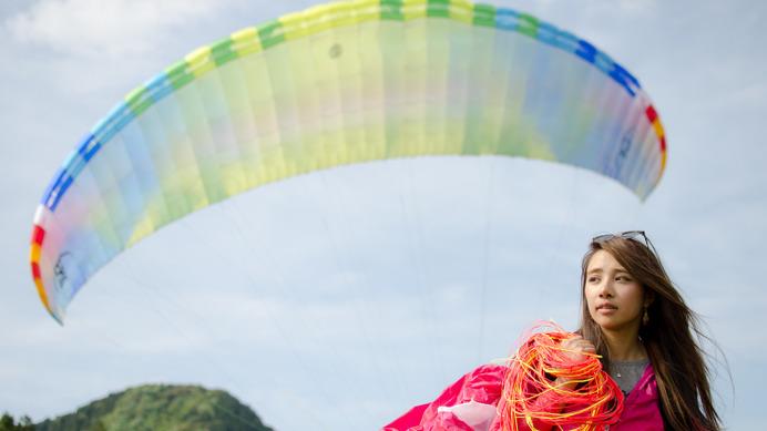 パラグライダーで大空へ モデルgaru chanがハマった理由 cycle