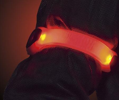 【津々見友彦の6輪生活】夜間走行に安心を…ジェントスのLEDセーフティバンド「AX-940RG」