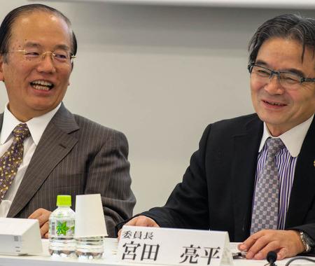 東京五輪の新エンブレム、応募から1週間で「約2500件が集まった」