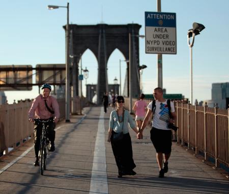【なくせ!自転車事故】接地音が小さい自転車が背後から接近してくると気づきにくい