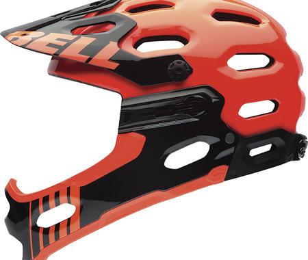 上りではアゴ部分を取り外せる、完全無欠のオールマウンテンヘルメット