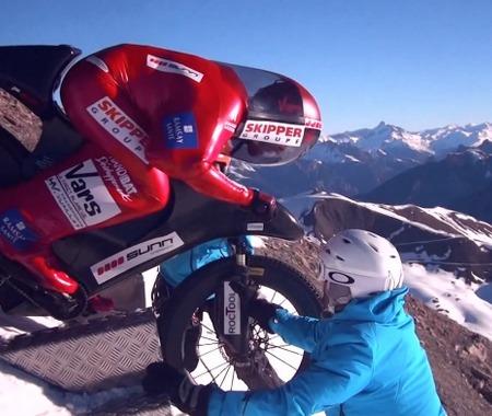 【自転車MTB】223.30km/hの世界新記録!雪山ダウンヒル
