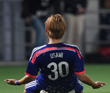 【サッカー日本代表】宇佐美、代表初ゴール!圧巻の個人技…ウズベキスタン代表と親善試合