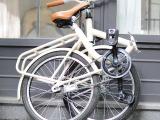 レトロボディを採用したブルーナの折りたたみ自転車 画像
