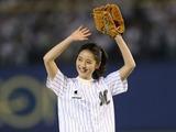 【プロ野球】佐々木希、ロッテ本拠地開幕戦で始球式!「届かなかったからリベンジしたい」 画像