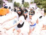 泡まみれでゴールを目指す「バブルラン2015 in大阪」早割エントリー6月2日開始 画像