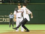 本郷奏多、東京ドームで「100点満点」始球式! 画像