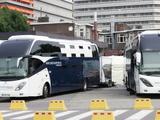 【ツール・ド・フランス15】大型バスを改造…昼夜が逆転する施工班の快適移動ホテルが登場 画像
