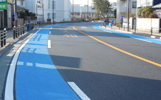 自転車用 横浜駅 自転車用品 : 線に自転車レーン登場|自転車 ...