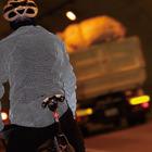 安全性を向上させるリフレクター素材でできたバイクジャケット 画像